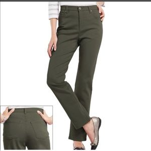 Gloria Vanderbilt olive green jeans sz 14